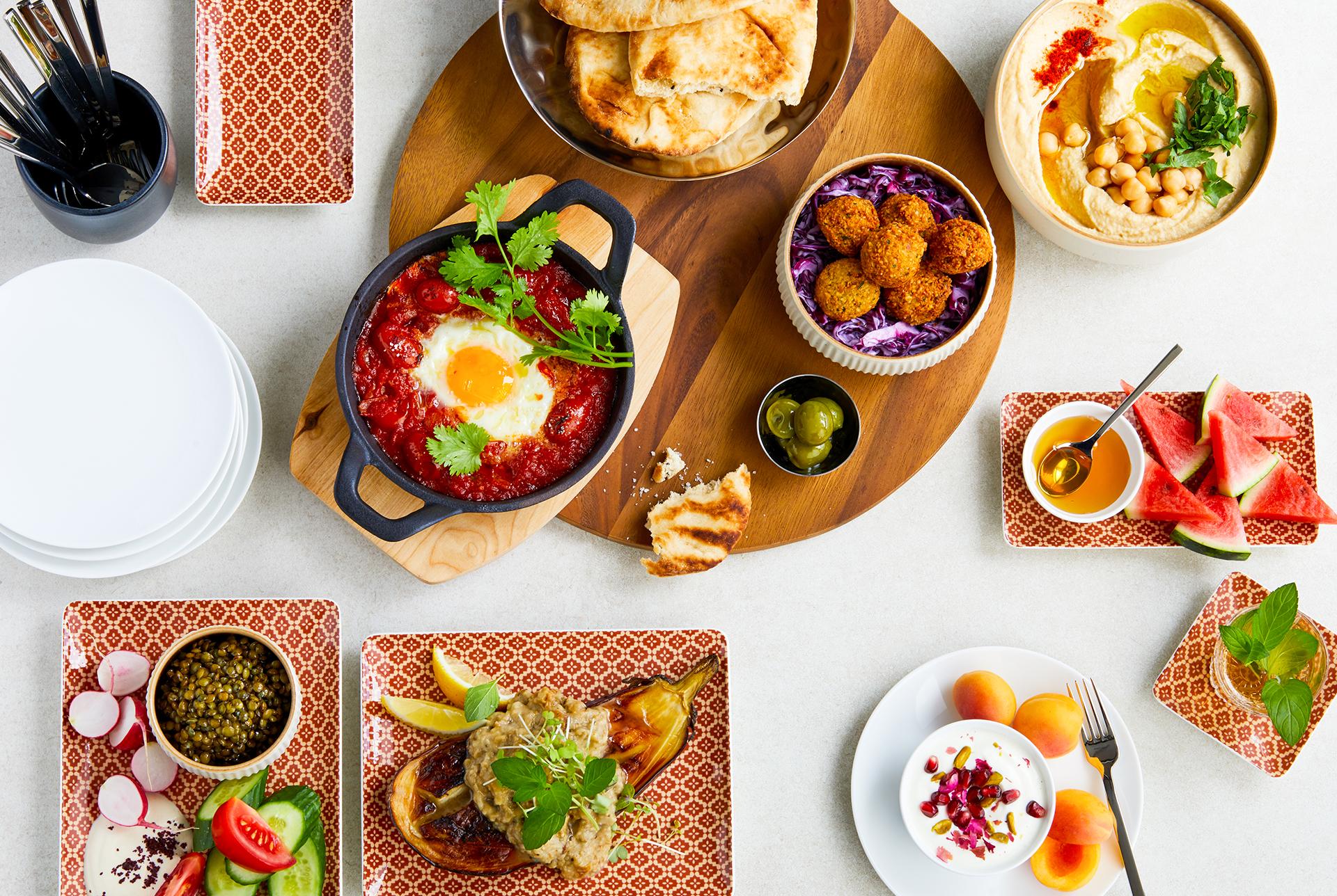 Imagebroschuere fuer Geschirrhersteller Bauscher Germany fotografiert von Katrin Winner Muenchen in Zusammenarbeit mit Agentur Schliesske und Foodstylist Michael Koch