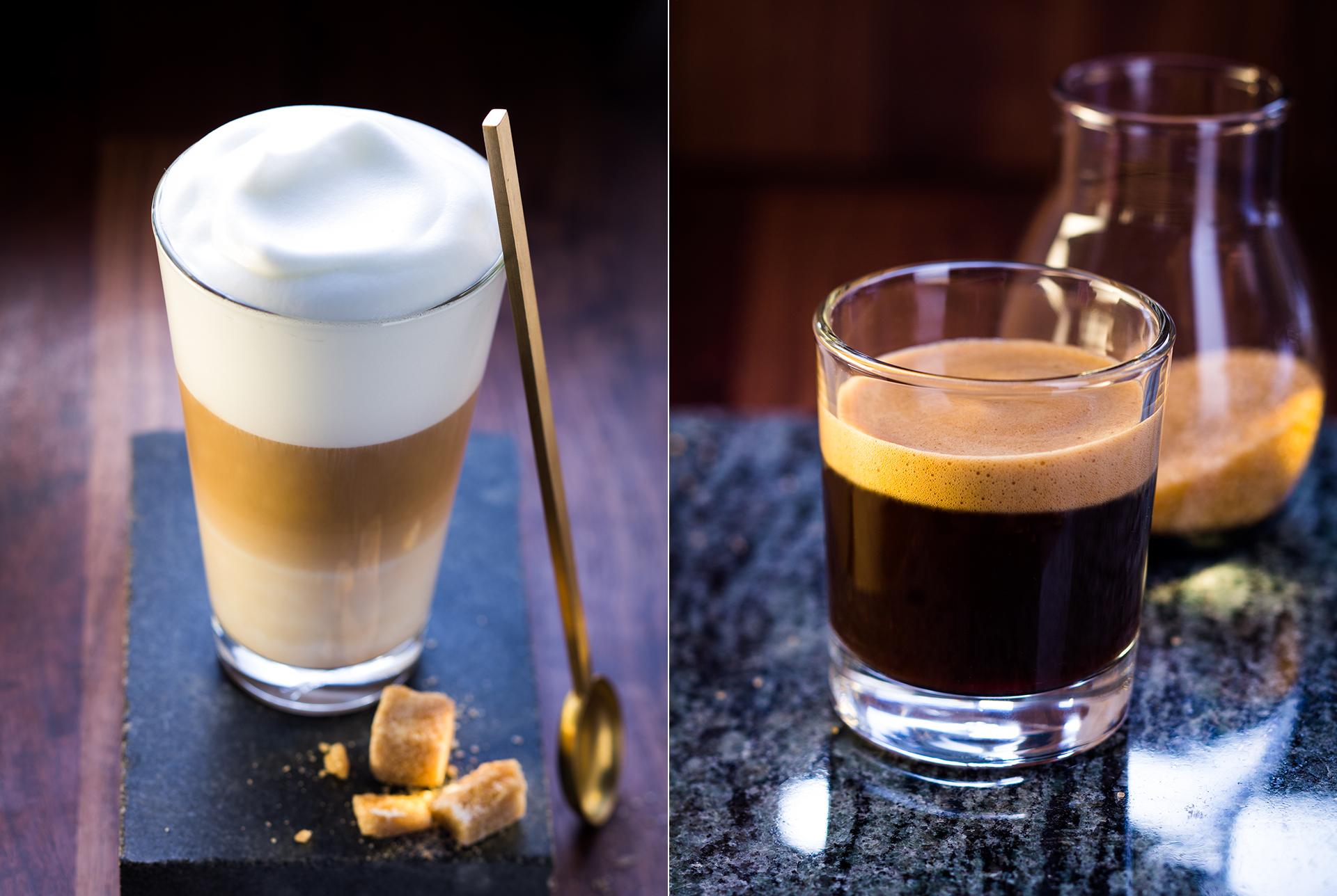 Foodfotografie Latte Macchiato mit Zuckerstuecke. Kaffee schwarz.
