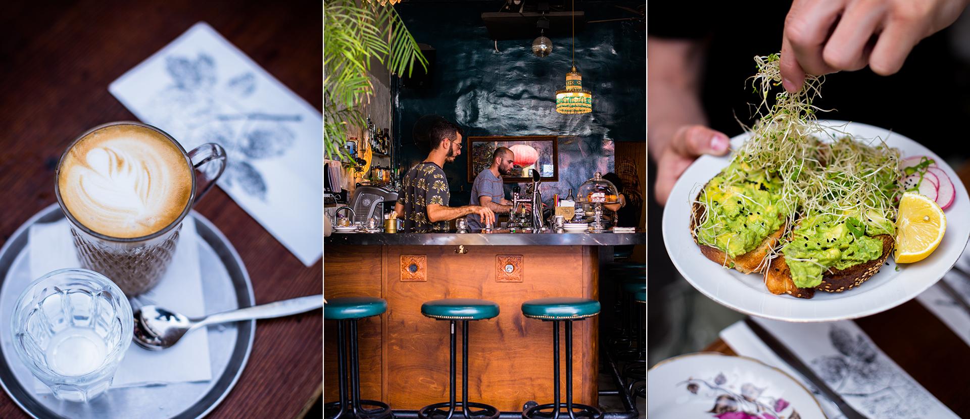 Cafe in Jaffa Fleamarket in TelAviv. Latte Macchiato mit einem Glas Wasser. Smashed Avocadobrot mit frischer Kresse